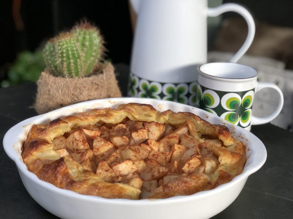 recept zelf een snelle appeltaart maken met bladerdeeg