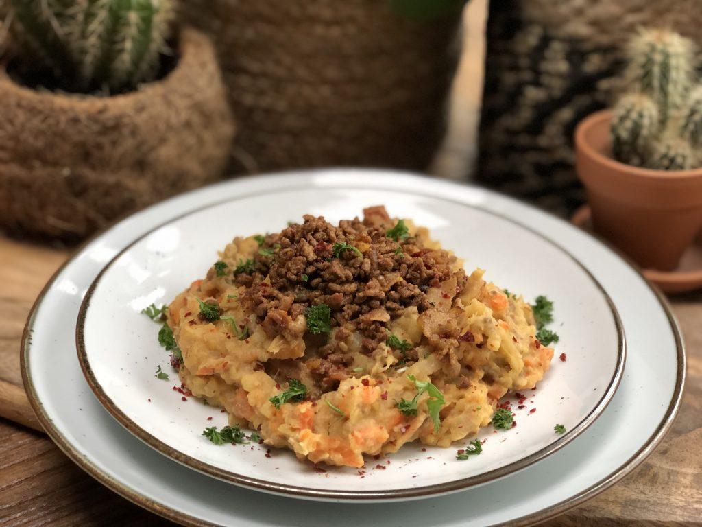 recept pittige hutspot met gehakt en kaas maken.