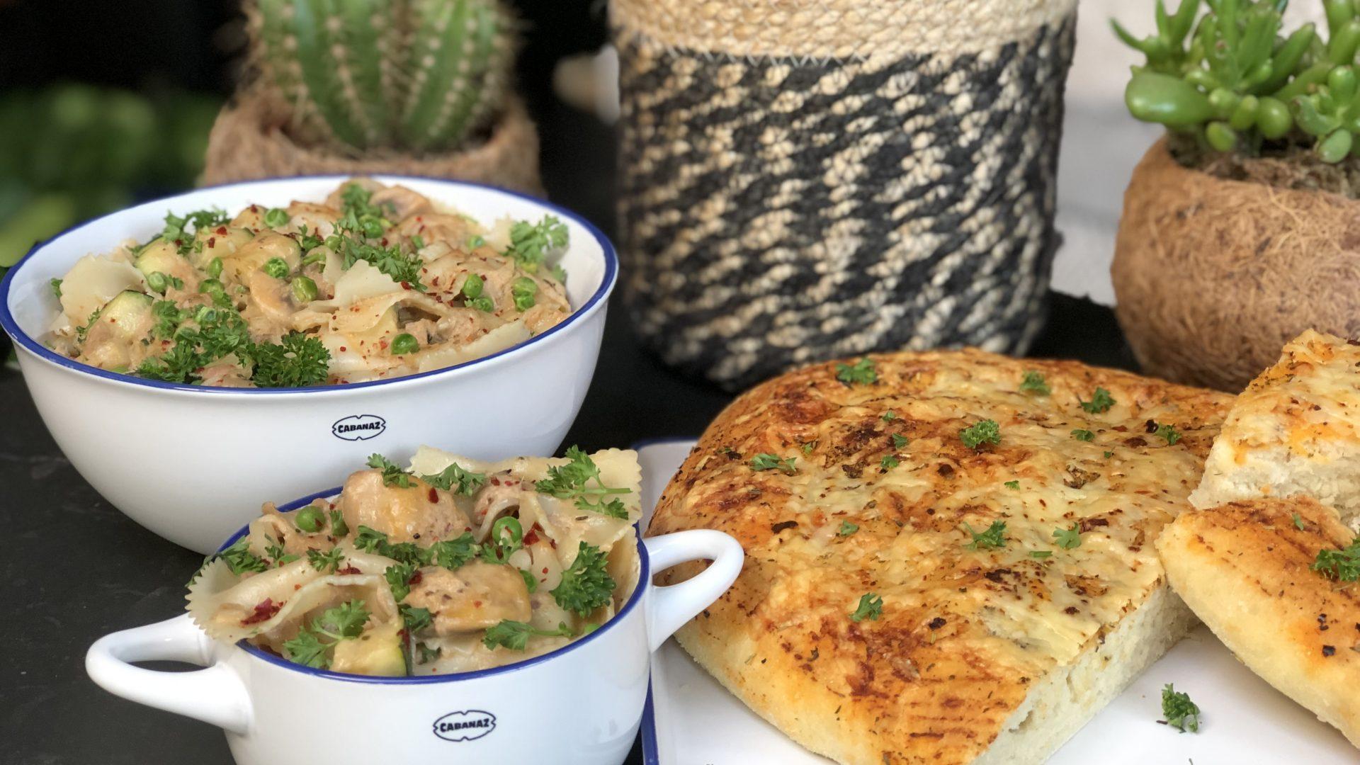pasta met tonijn in roomsaus