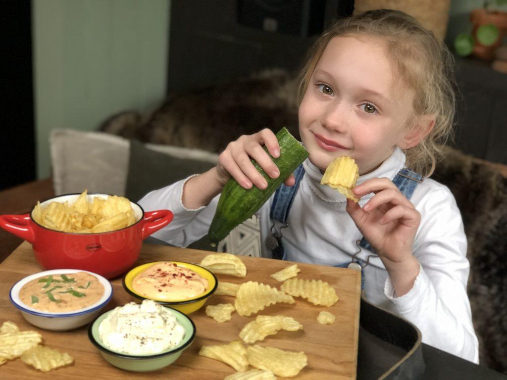 3 heerlijke varianten dipsaus voor bij chips zelf maken