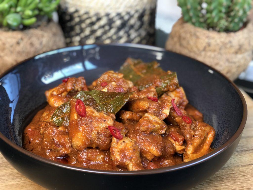recept ajam pedis ofwel hete kip maken met kippendijen en sambal