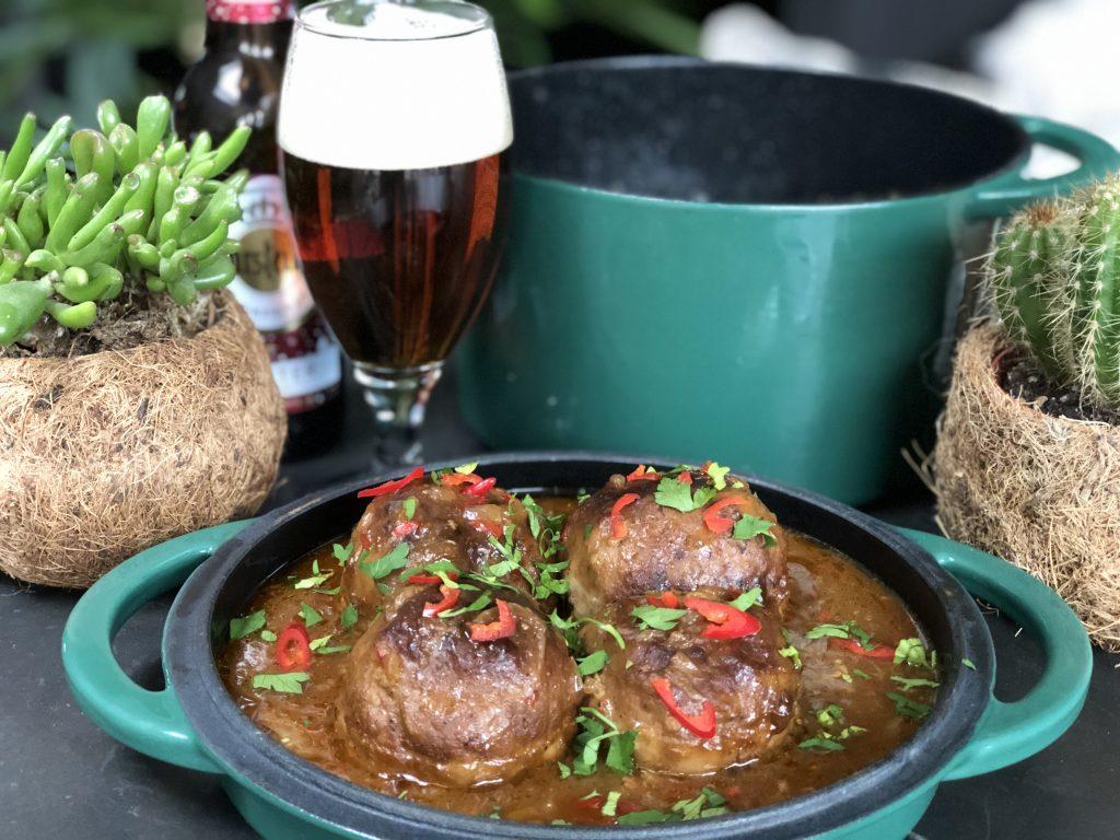 recept gehaktballen in bier met rode peper en veel specerijen