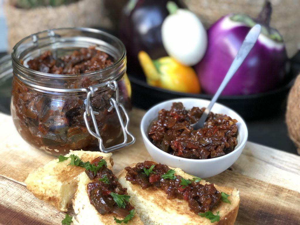 recept kruidige aubergine chutney met tomaat