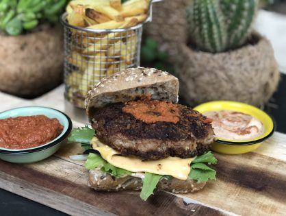 Thaise burger met pittige rode currymayonaise