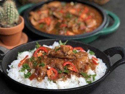 Javaanse kip stoofpot met rijst