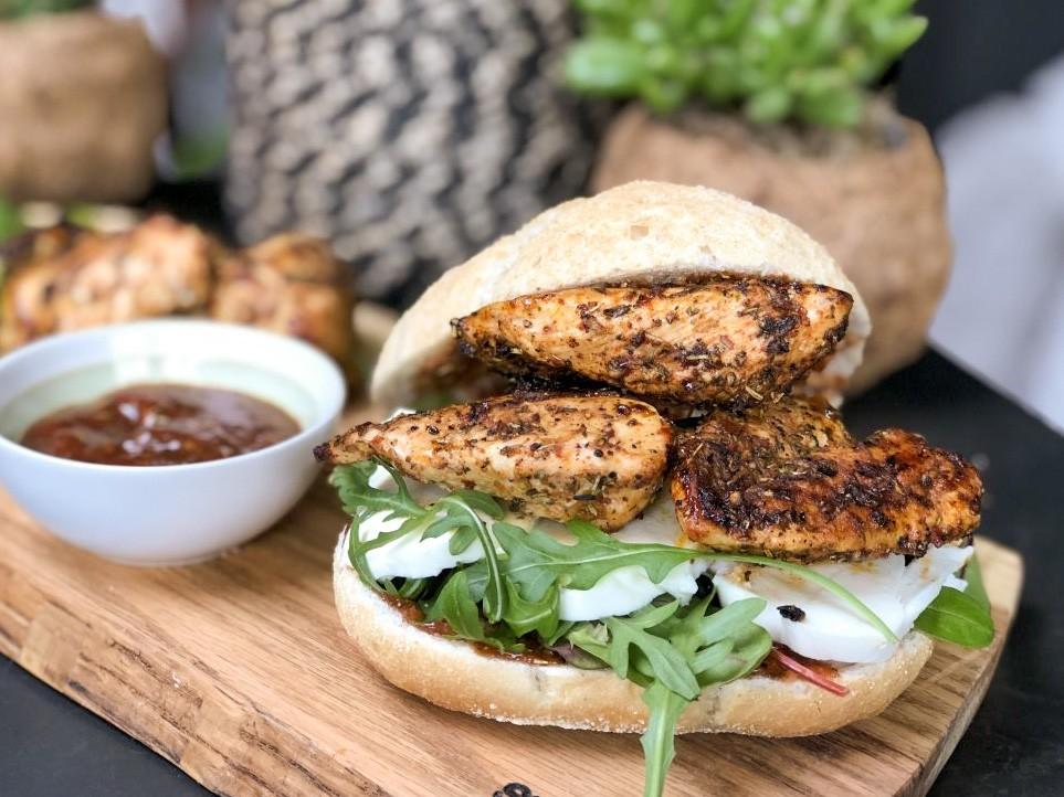 Kruidige Italiaanse kip op brood: lunch tip - Familie over de kook