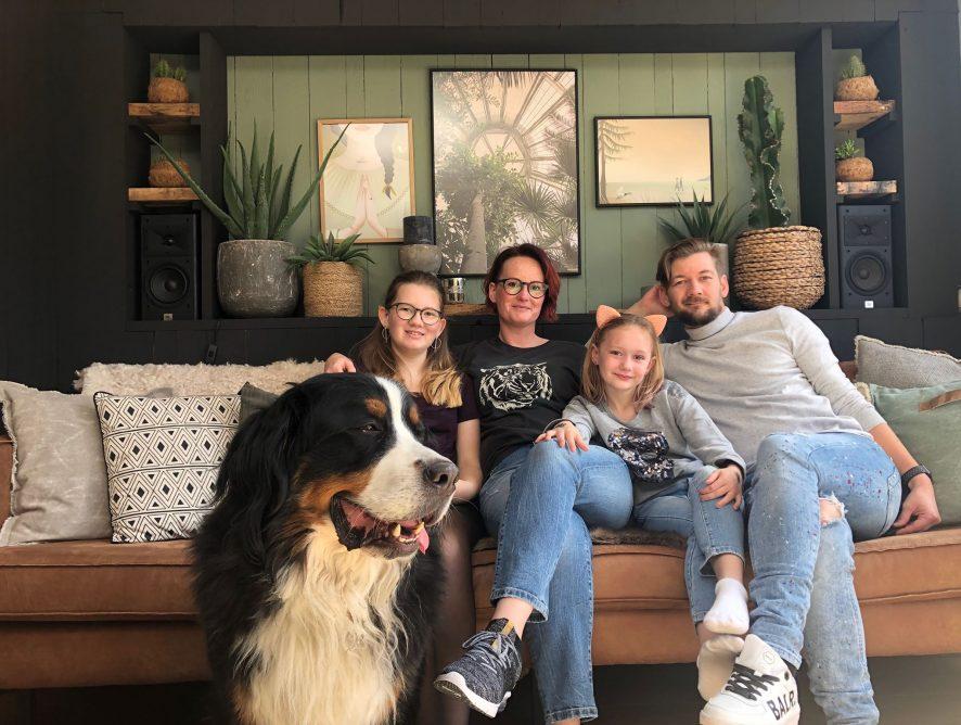 Familie over de Kook in Koffietijd op televisie