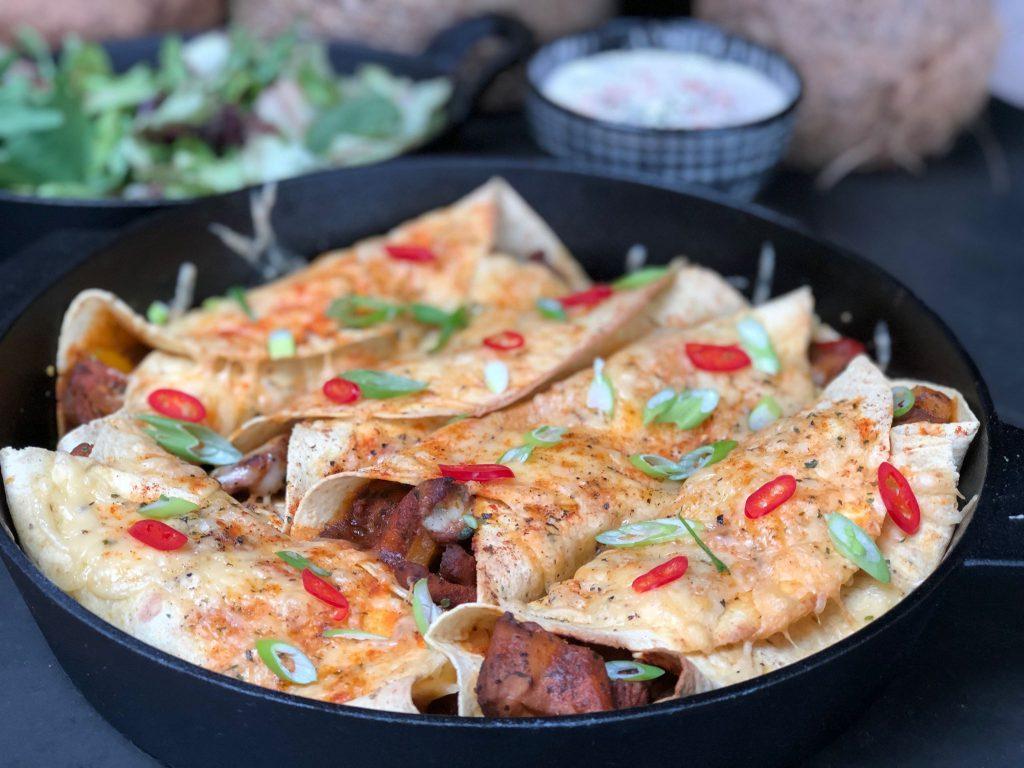 Mexicaanse burrito's met Mexicaanse dipsaus