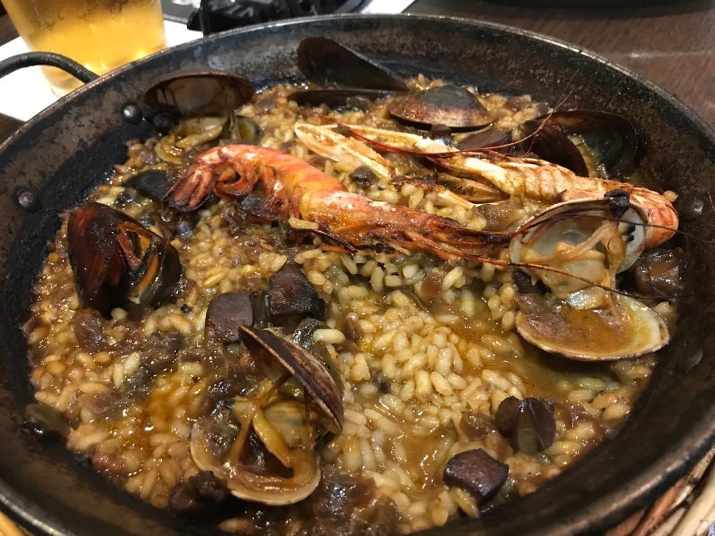 verse Paella met zeevruchten