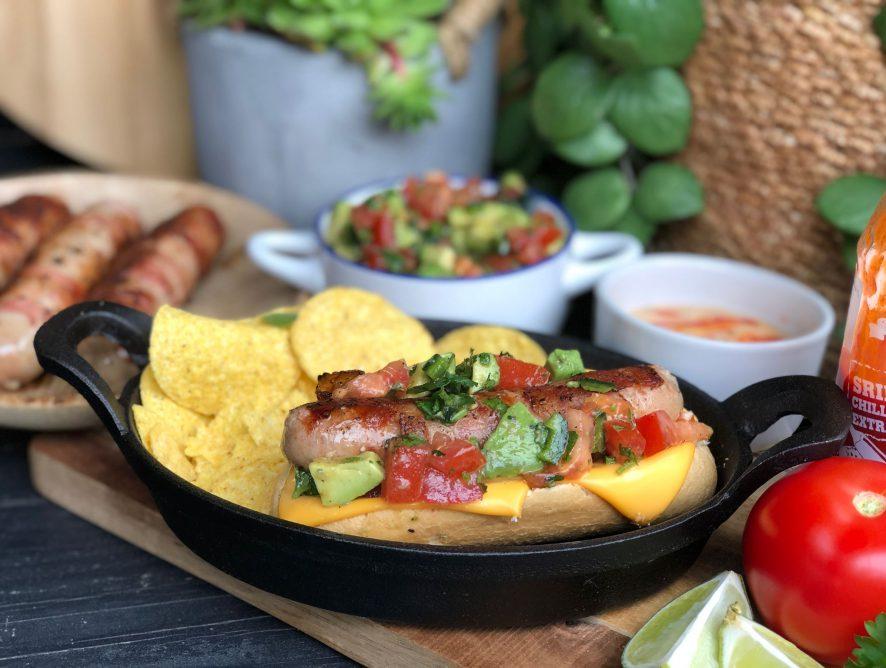 Mexicaanse hotdogs met frisse salsa