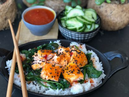 Aziatische zalm met spinazie en witte rijst