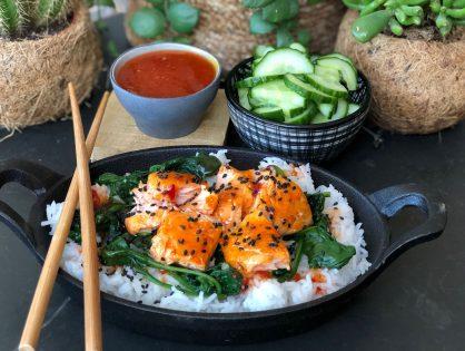 Aziatische zalm met spinazie en rijst
