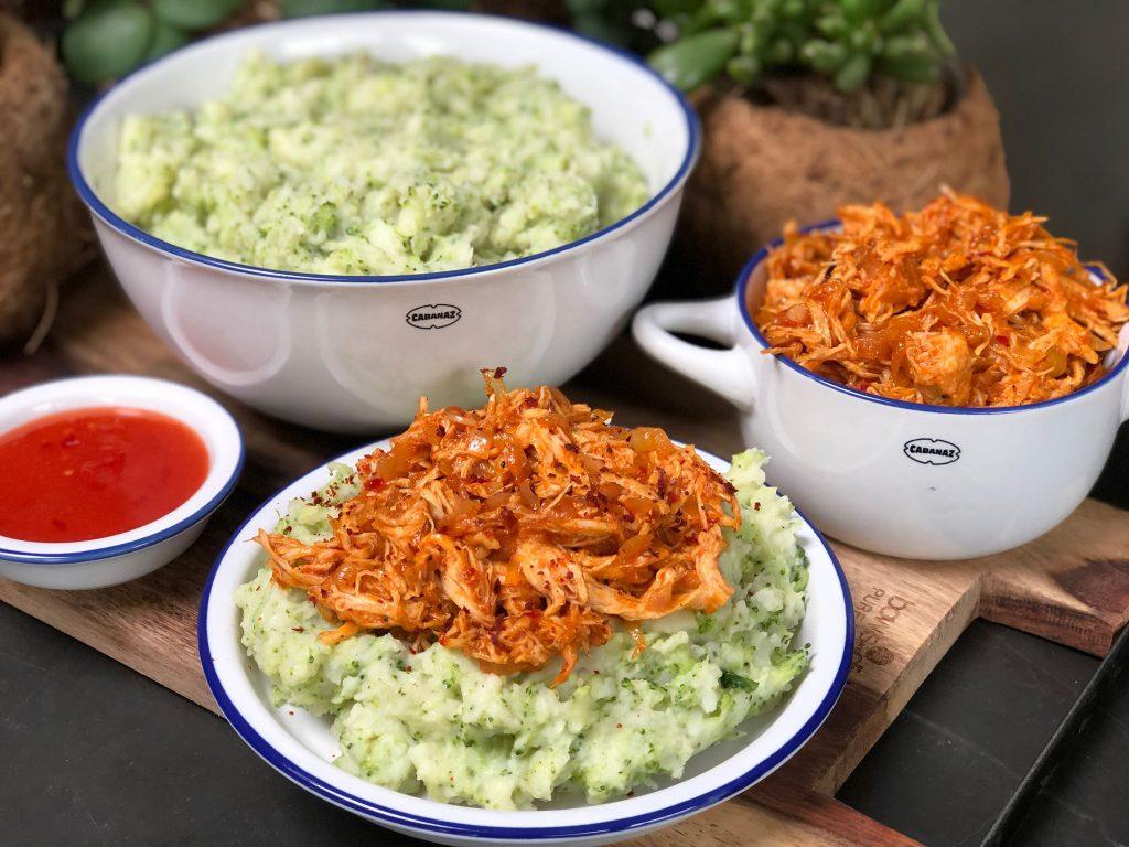 recept broccolistamppot met hete kip en chilisaus