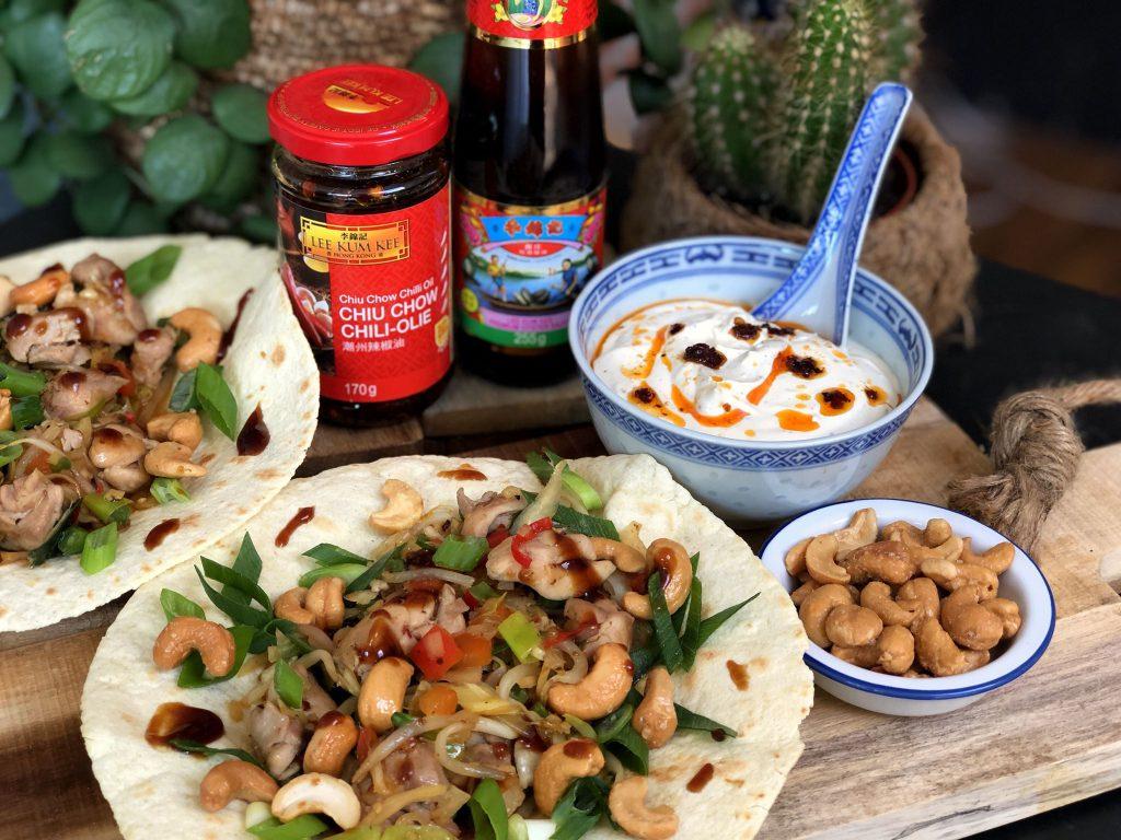 recept pittige Chinese kip wraps met cashewnoten, bosui en oestersaus