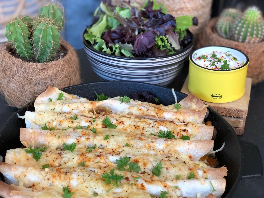 recept ovenschotel met shoarma wraps en kruidige saus