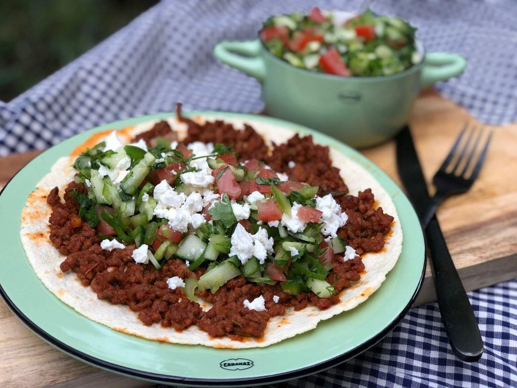 gezonde Turkse pizza met gehakt en fetakaas. 6 pizza recepten