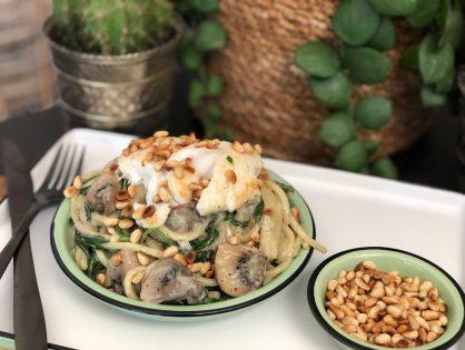 Romige pasta met spinazie en schelvis