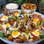 salade met makreel, krieltjes en frisse fetakaas yohurtdressing