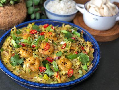 Thaise roerbak met garnalen in kerriesaus