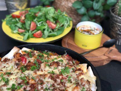 wraps met gehakt en tomatensaus ovenschotel