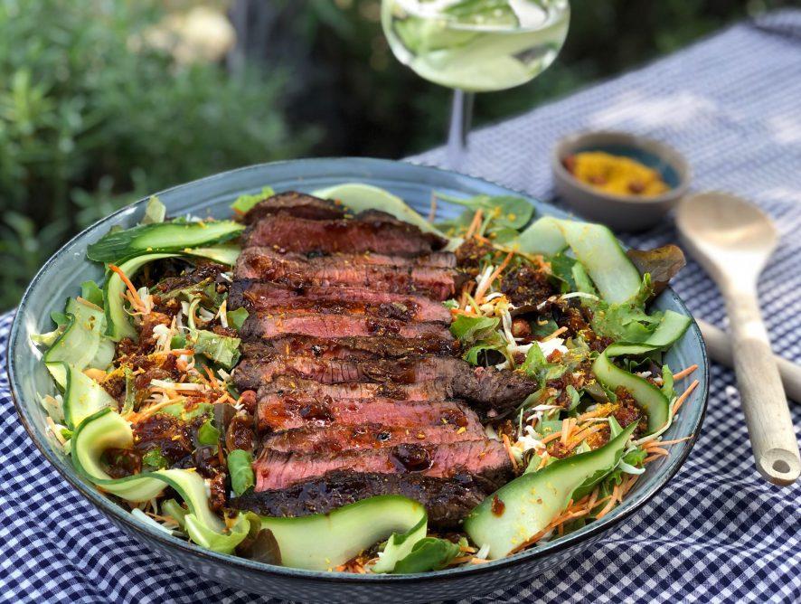 biefstuk salade met Aziatische dressing