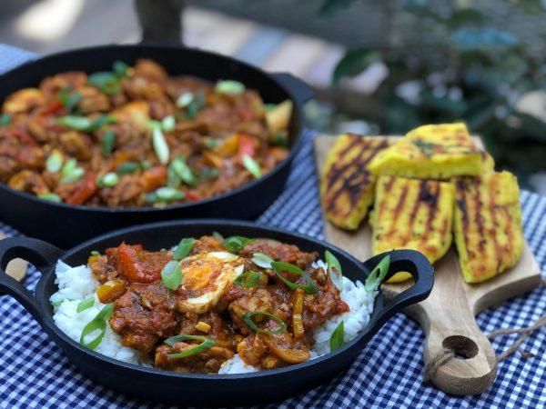recept kip kerrie met tomaat, paprika, ei en Naan