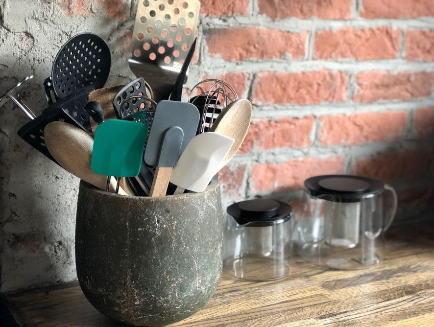 Een pannenlikker is onmisbaar in de keuken