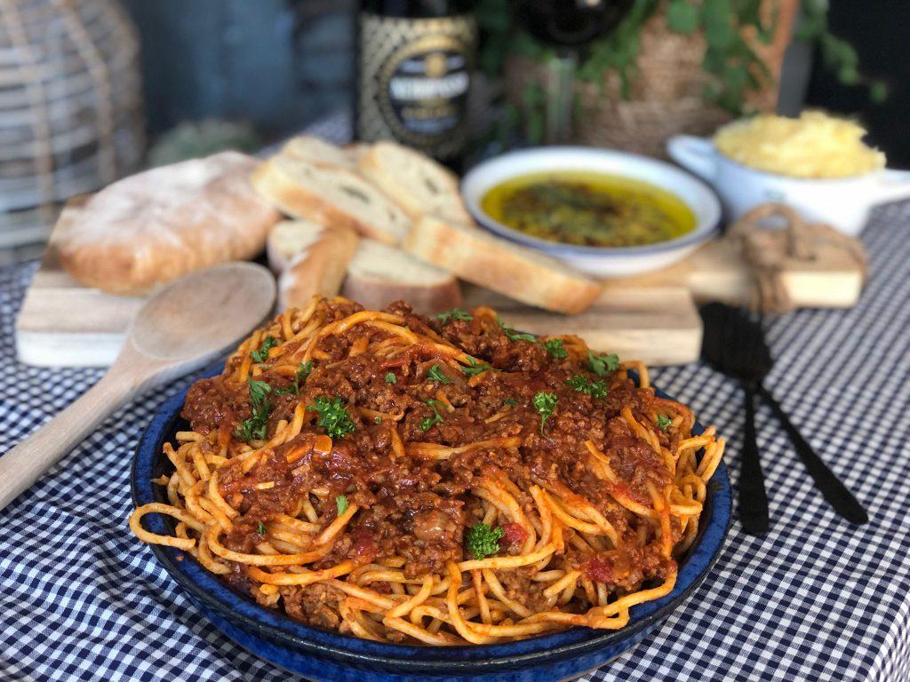 spaghetti in een pittige tomatensaus