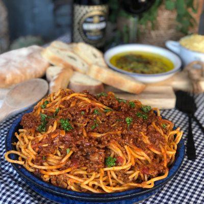 Spaghetti in pittige tomatensaus