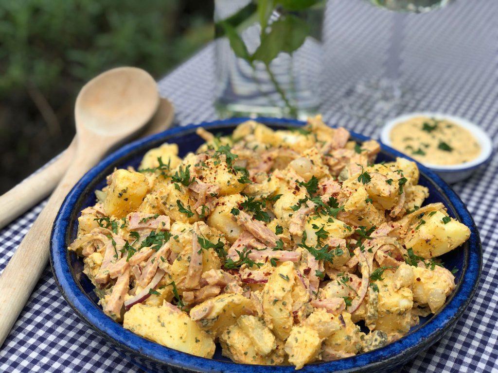 kruidige aardappelsalade met ham, voor het gemak koos ik hamreepjes