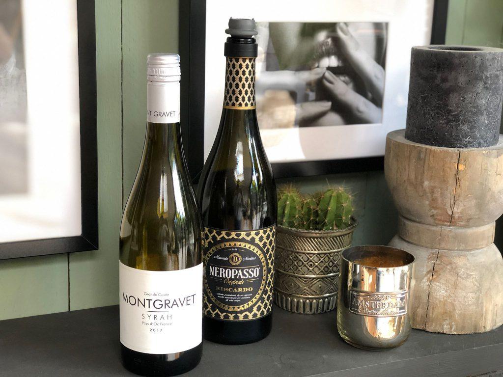Hoe bewaar je een open fles wijn. Dit kan met een speciale vacuüm dop.