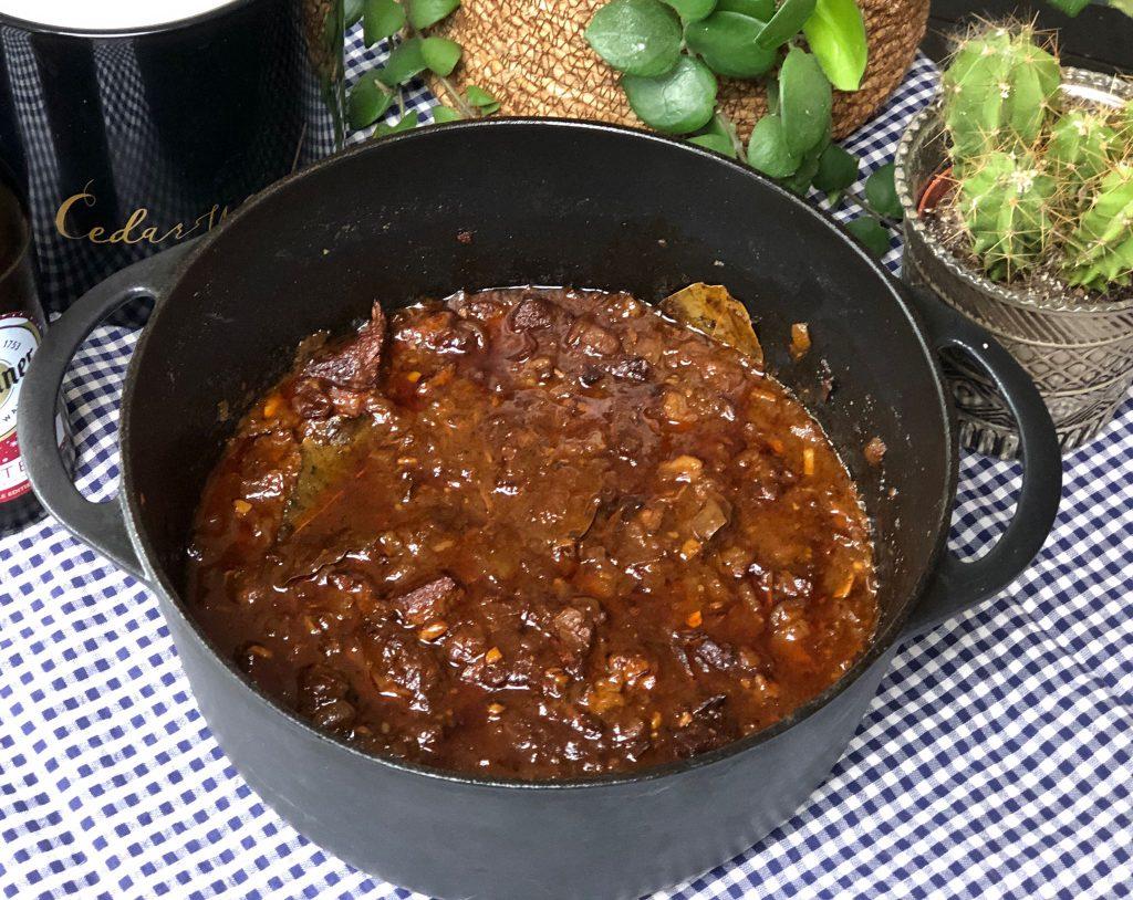 pittige hachee maken met sambal
