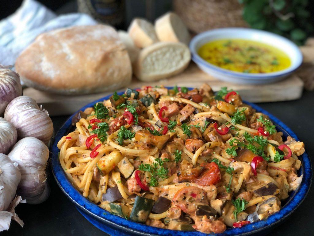 spaghetti met Boursin en groenten. Een simpele maar lekkere maaltijd die binnen 30 minuten klaar is.