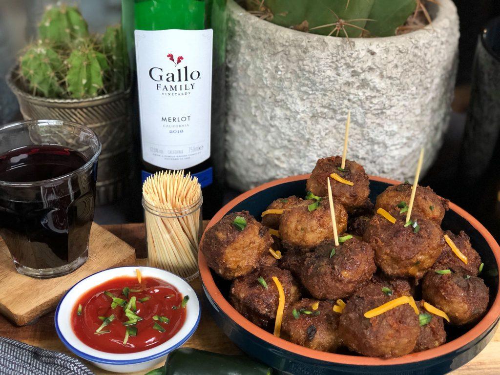 pittige gehaktballetjes met cheddar en jalapeño