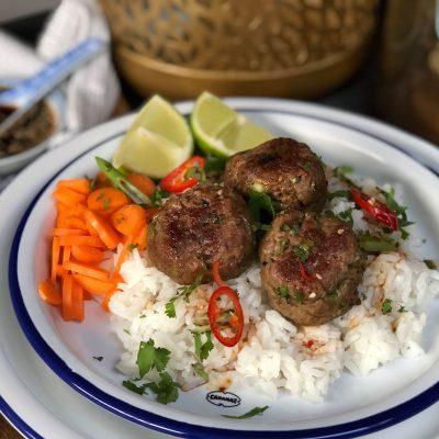 Vietnamese gehaktballetjes met rijst