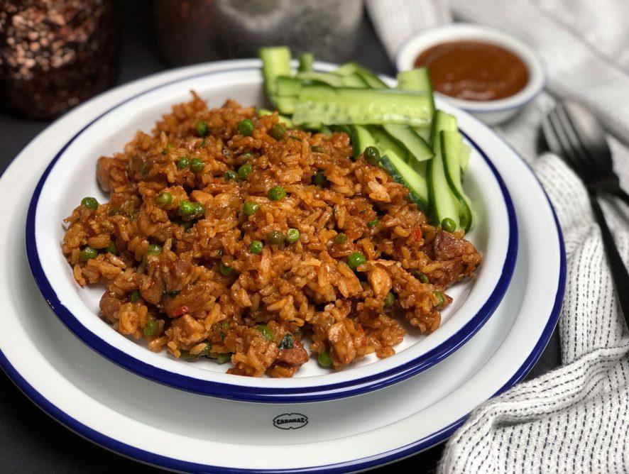Surinaamse nasi met kip maken