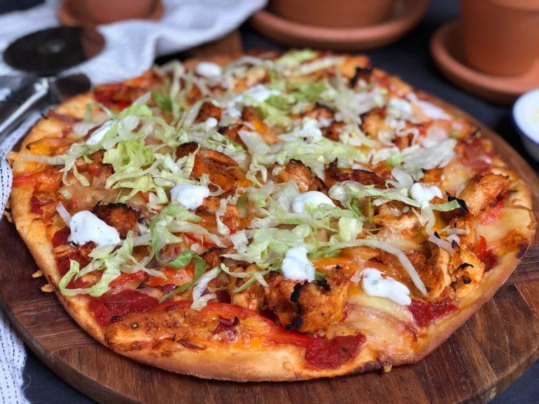 pizza met pikante kip