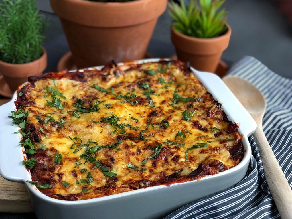 vegetarische groentelasagne met courgette, aubergine en bechamelsaus