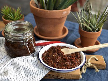 Zelf sambal badjak maken: makkelijk en lekker
