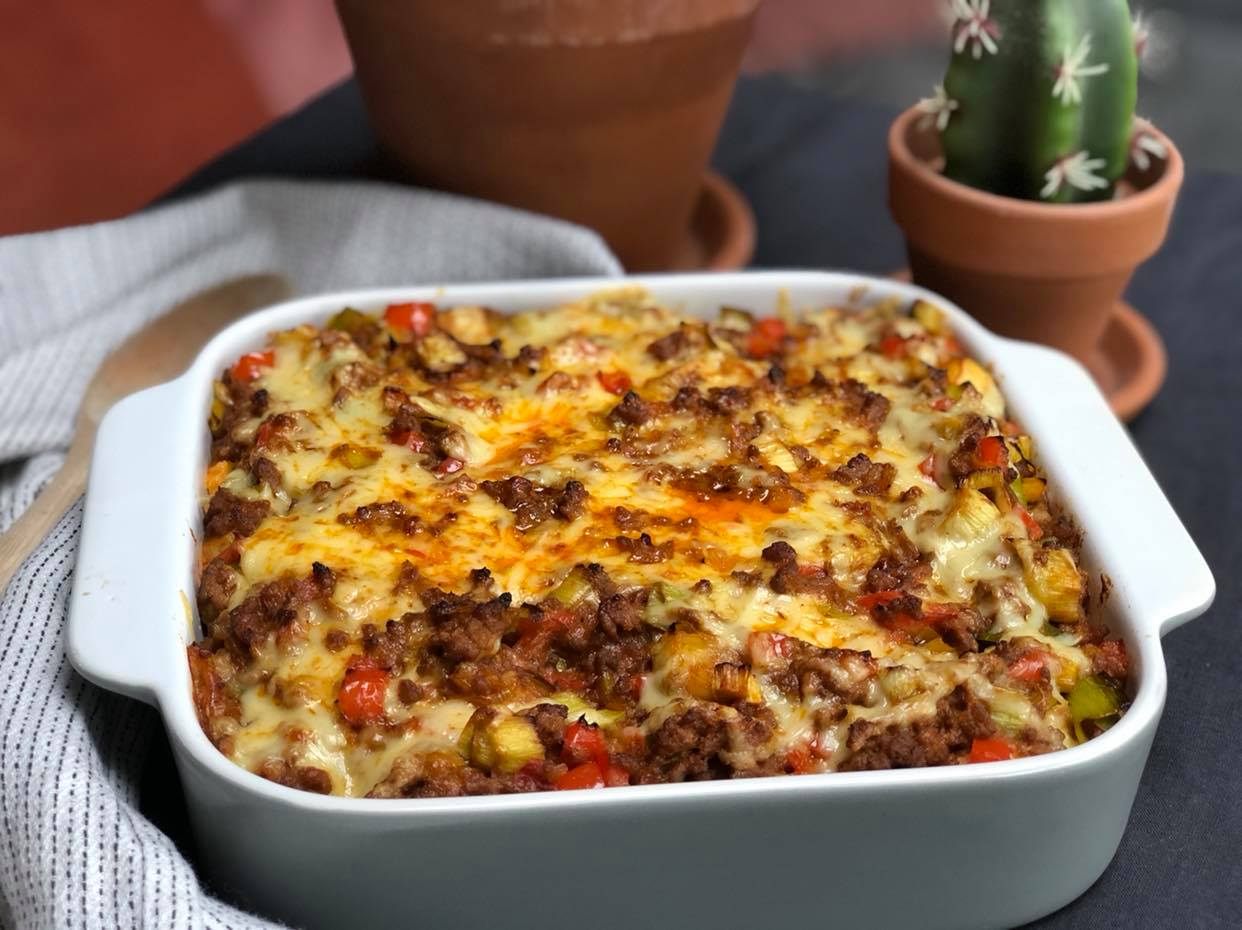 prei ovenschotel met kruidig gehakt en paprika