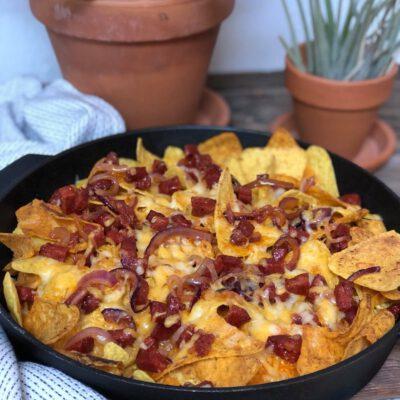 nacho schotel met chorizo en kaas