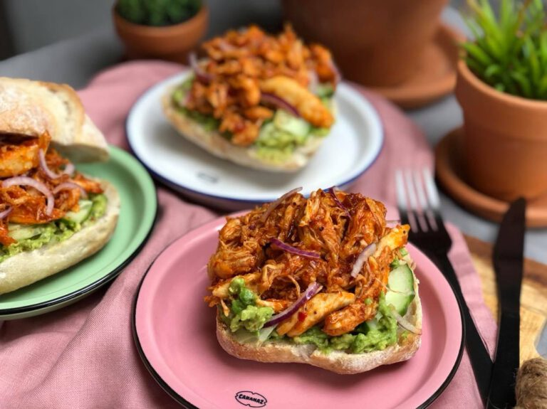 broodje met pulled chicken: zoet en pittige kip