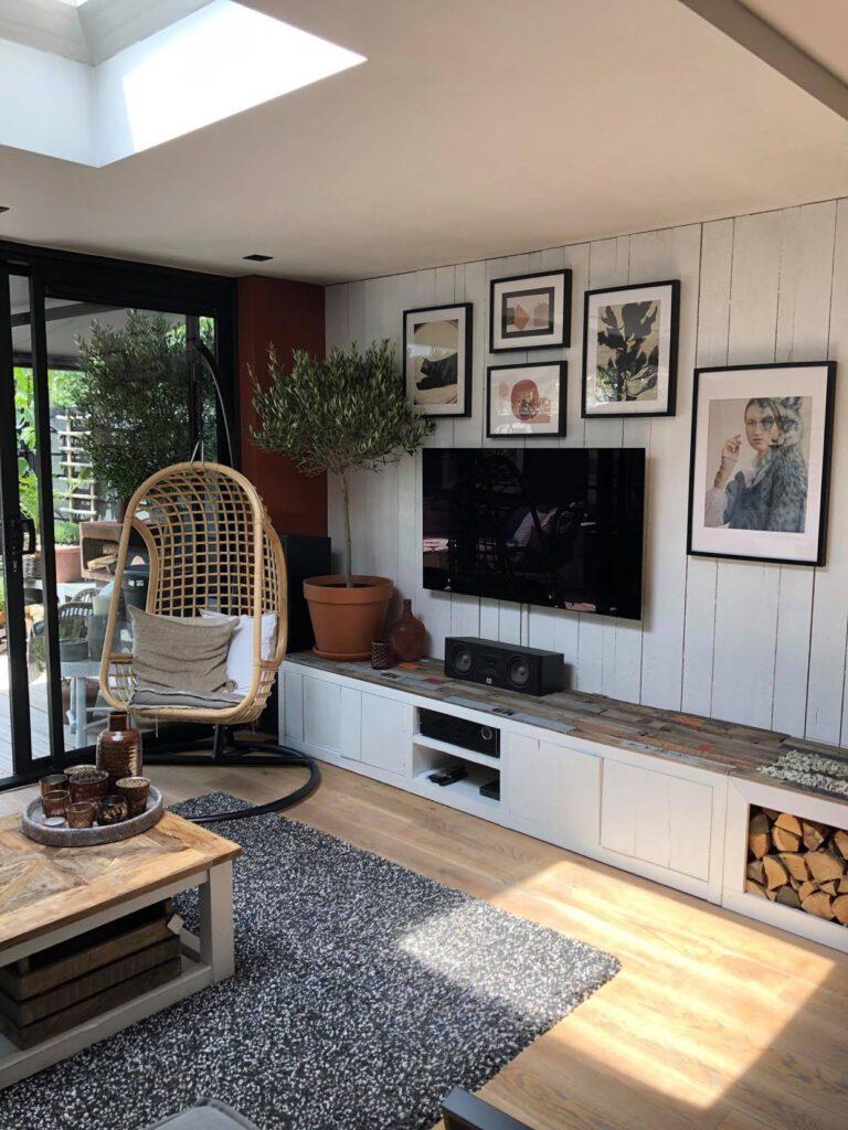 stoer Scandinavisch interieur met wit hout