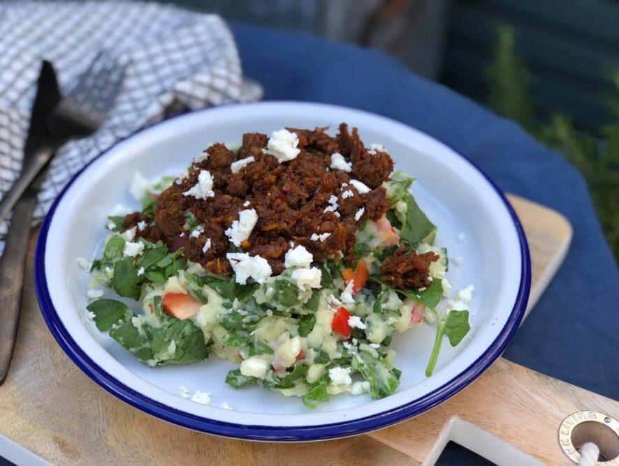 vegetarische stamppot met rauwe spinazie en feta