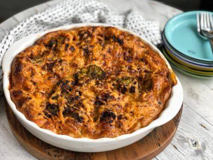 hartige taart met broccoli en gehakt