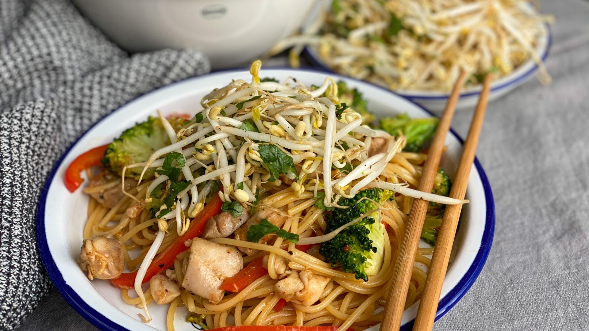 Roerbak met kip en broccoli
