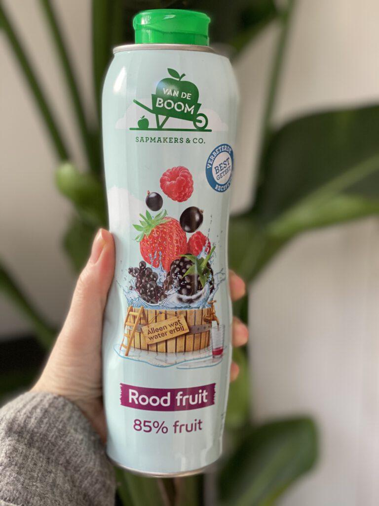 rood fruit limonadesiroop van Van de Boom