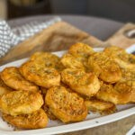 zelf pittige kaasvlinders maken