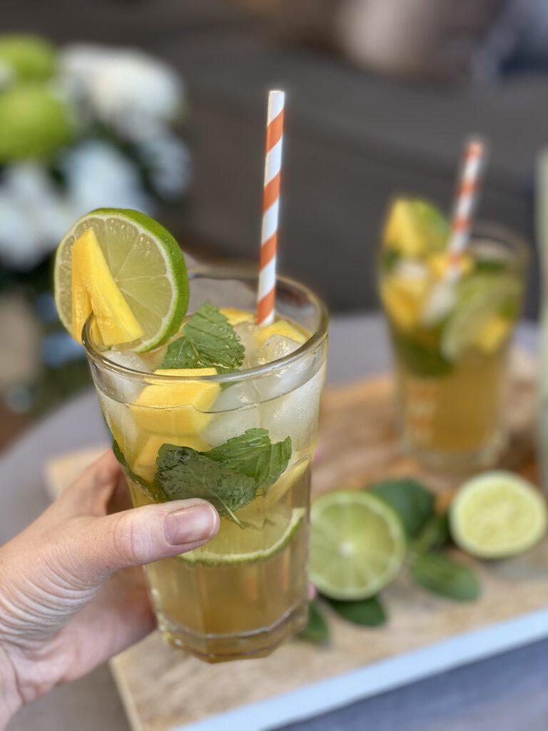 alcoholvrije mango mojito met mango en limoen