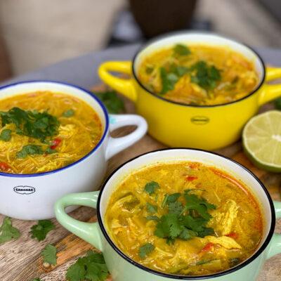 kruidige currysoep met kip